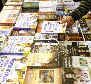 19. İzmir Kitap Fuarı açıldı...