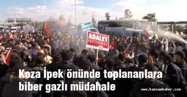 Koza İpek önünde toplanan kalabalığa biber gazlı müdahale