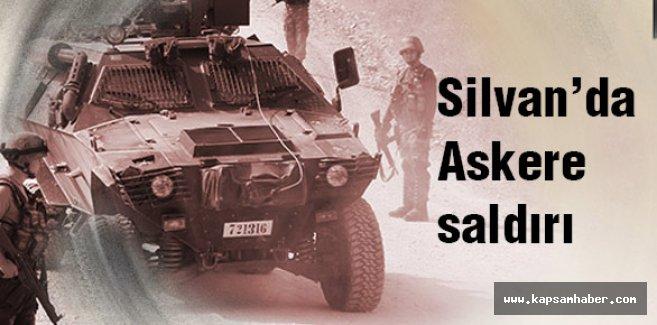 Silvan'da askerlere saldırı