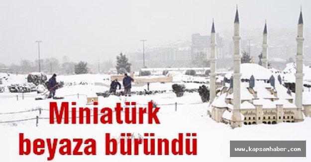 Miniatürk kar altında...