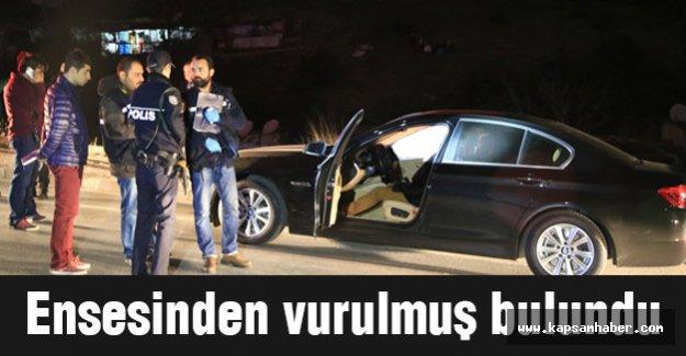 Otomobilinde ensesinden vurulmuş olarak bulundu