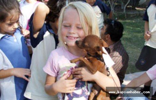 Hayvan Sevgisi Çocuğun Gelişimine Yardımcı Oluyor!