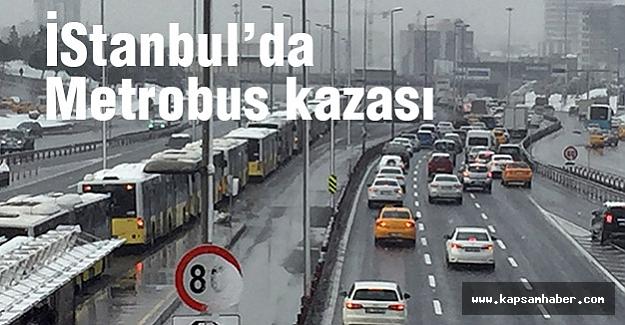 Metrobüsler kaza yaptı...