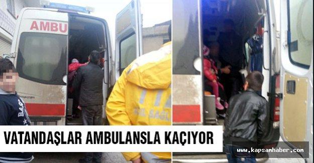 Oradan vatandaşlar ambulanslarla kaçıyor