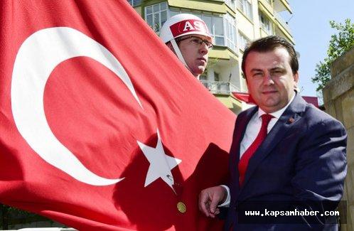 İstiklal madalyası Türk bayrağına 91. kez takıldı