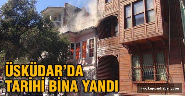 Üsküdar'da tarihi bina yandı