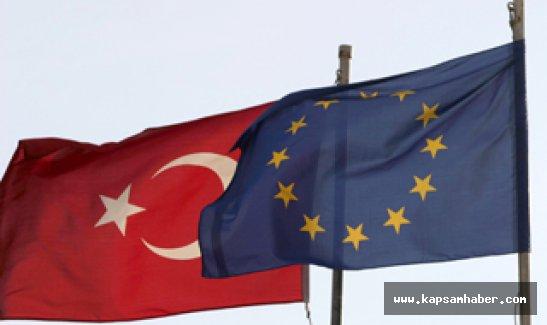 'AB Komisyonu Türkiye'ye ek süre tanıyacak'