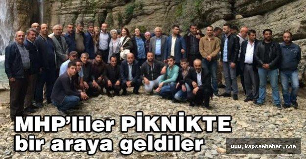 MHP'li Yöneticiler Piknikte Bir Araya Geldi