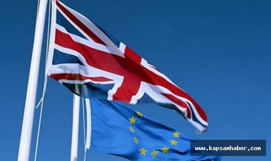 Moody's, İngiltere'nin kredi notunu negatife çevirdi