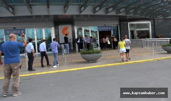 Alışveriş merkezinde canlı bomba paniği