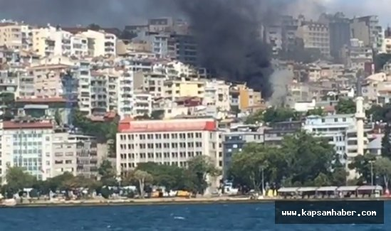 Cihangir'deki yangın denizden böyle görüntülendi
