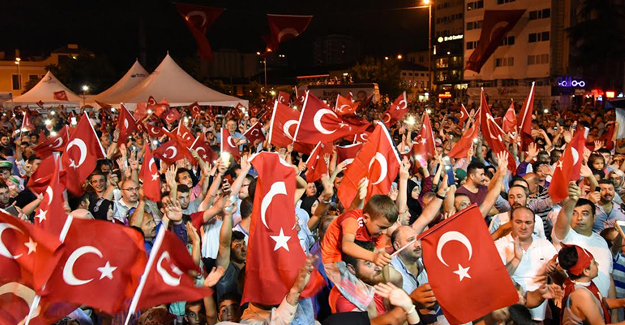 Tekkeköy'de Demokrasi Şehitleri İçin Dua Gecesi
