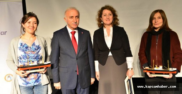 Samsun'da, 'Dünya Kadına Karşı Şiddetle Mücadele Günü'  Ödül Töreni