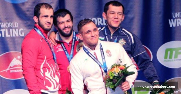 Dünya Güreş Şampiyonası'nda  Aslan Atem 2. Oldu