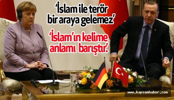 """Erdoğan: """"İslam ile terör bir araya gelemez"""""""