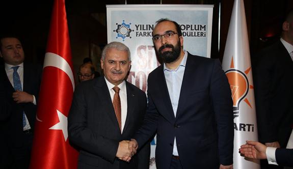 Yılın Sivil Toplum Farkındalık Ödülleri Törenine Ercan POYRAZ Konuk Olarak Katıldı