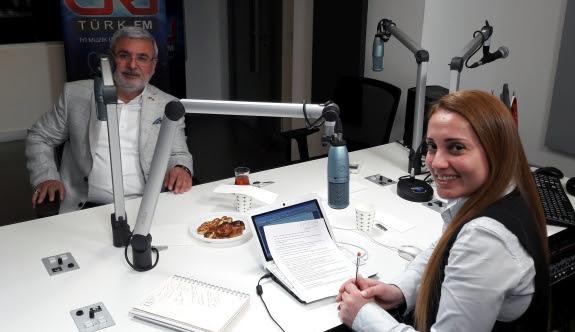 Metiner, Kılıçdaroğlu'na Referandum İçin Hangi Şarkıyı Armağan Etti?