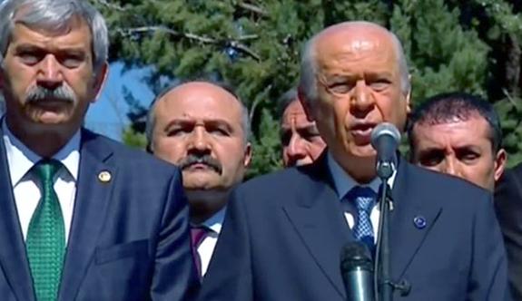 Bahçeli; TÜRKEŞ'in Vefatının 20. sene-i devriyesinde Anıt mezarında konuştu