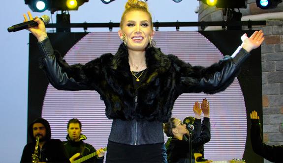 İrem Derici ilk konserini İstanbul'da verdi