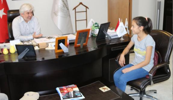 Akhisarlı Petek Çetin, Jandarma Şiiriyle  il birinci oldu