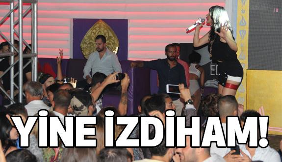 Hande Yener Programında İzdiham
