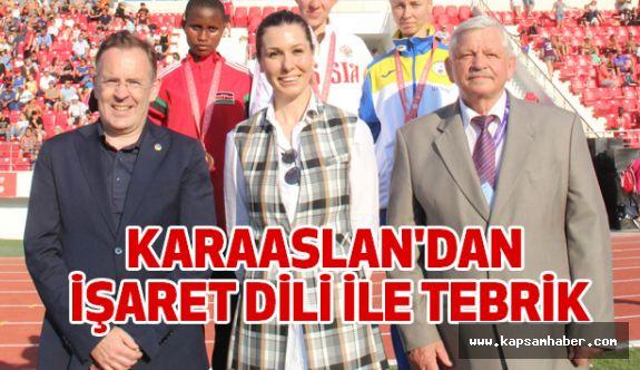 KARAASLAN'DAN İŞARET DİLİ İLE TEBRİK