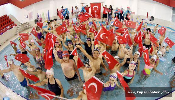Samsun'da Minik Kulaçlar; '15 Temmuz  Şehitleri'ni Unutmadı