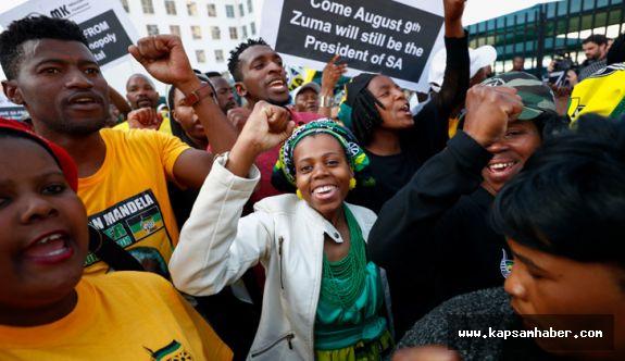 Güney Afrika Devlet Başkanı güvensizlik oylamasından geçti