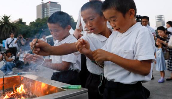 Hiroşima Katliamının Kurbanları Anıldı