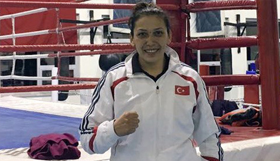 Milli boksör Elif finalde...