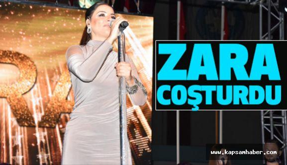 Turgutlu'ya Sevilen Sanatçı Zara, Damgasını Vurdu