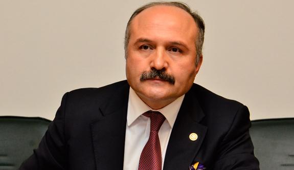 Erhan Usta; Meslek Hayatları Komutanın İki Dudağının Arasında