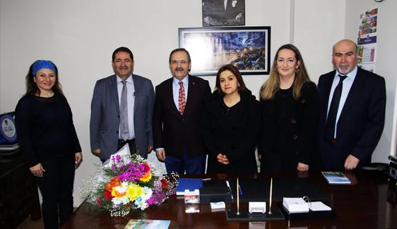 Başkan Zihni Şahin, Maarif hareketini Övdü