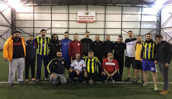 Nevşehir'de Gazetecilerle Ülkücüler Maç Yaptı
