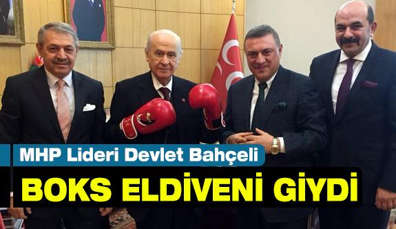 MHP Lideri Devlet Bahçeli'ye Boks Eldiveni...