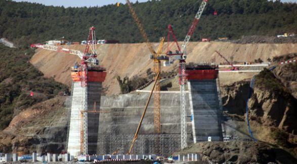 3. köprü inşaatında göçük