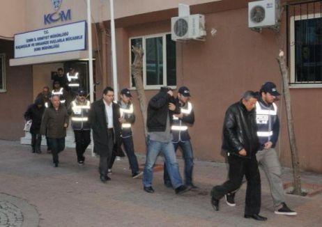 6 polis, tahliye oldu.