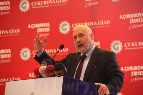 ABD'li ekonomist Stiglitz: Petroldeki düşüş dünya için olumsuz bir gelişme