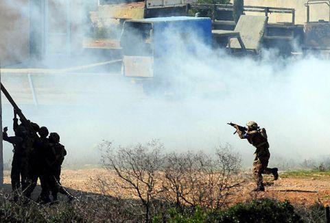 Afganistan'da çatışmalar sürüyor...