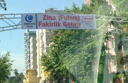 AGD'nin Sosyal Medya'yı Sallayan Adana'daki Pankartı