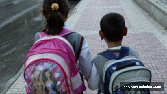 Ağır okul çantaları çocuklarda sağlık sorununa yol açar mı?