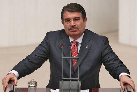 AKP'de Yaprak Dökümü Devam Ediyor...