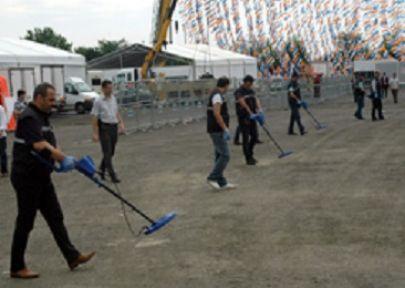 AKP'nin Miting Alanında Üst Düzey Güvenlik
