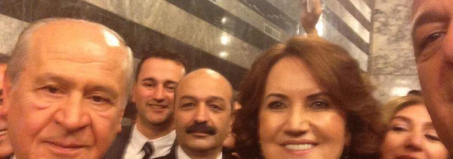 Akşener'in İlk Selfie...
