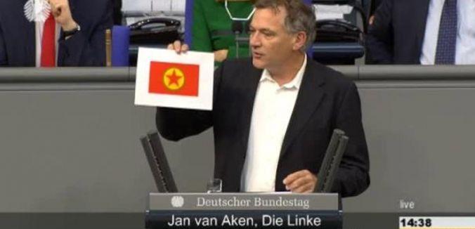 Alman Meclisinde PKK bayrağı skandalı