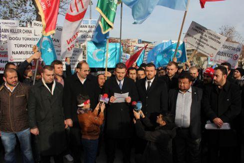 Alperen Ocakları'ndan Uygur Türkleri'ne destek eylemi