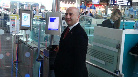 Atatürk Havalimanı'nda parmak izi ile geçiş sistemi başlıyor
