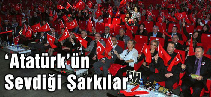 'Atatürk'ün Sevdiği Şarkılar' Ayakta Alkışlandı