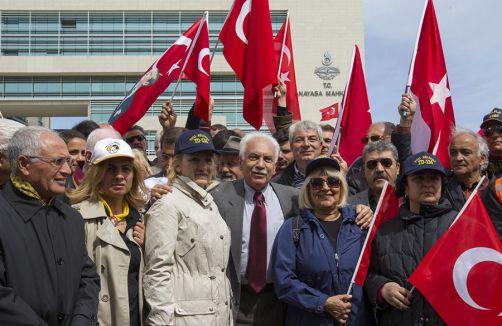 Avukatlar AYM Başkanı Kılıçla görüştü