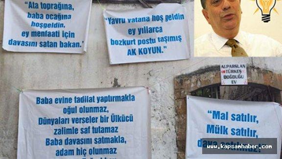 Babasının doğduğu evde pankartlı protesto